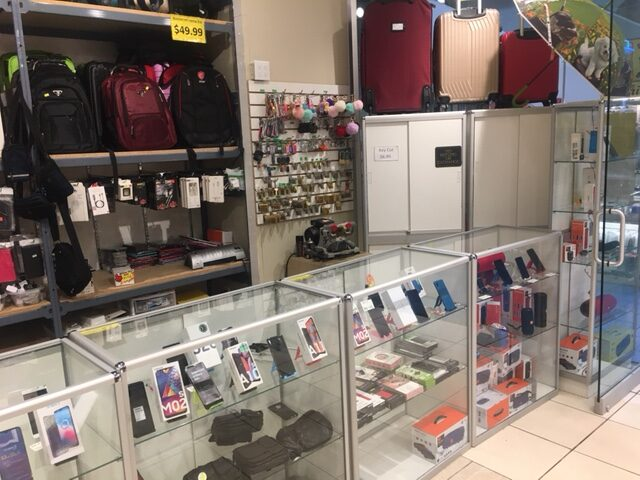interior-photo-# 2 for zee mobile store in vancouver